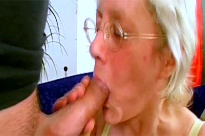 Gilf ficken und Oma Herta wird in die Fotze gepoppt