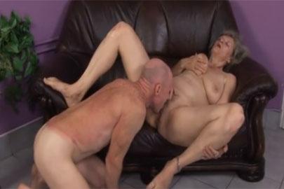 Oma Natursekt Pornos mit alten Fotzen sind sehr feucht