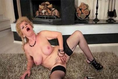Alte Omas in Nylons – verrucht und sexy zugleich