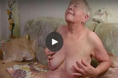 Omageil privat beim masturbieren gefilmt und dicke Titten dazu